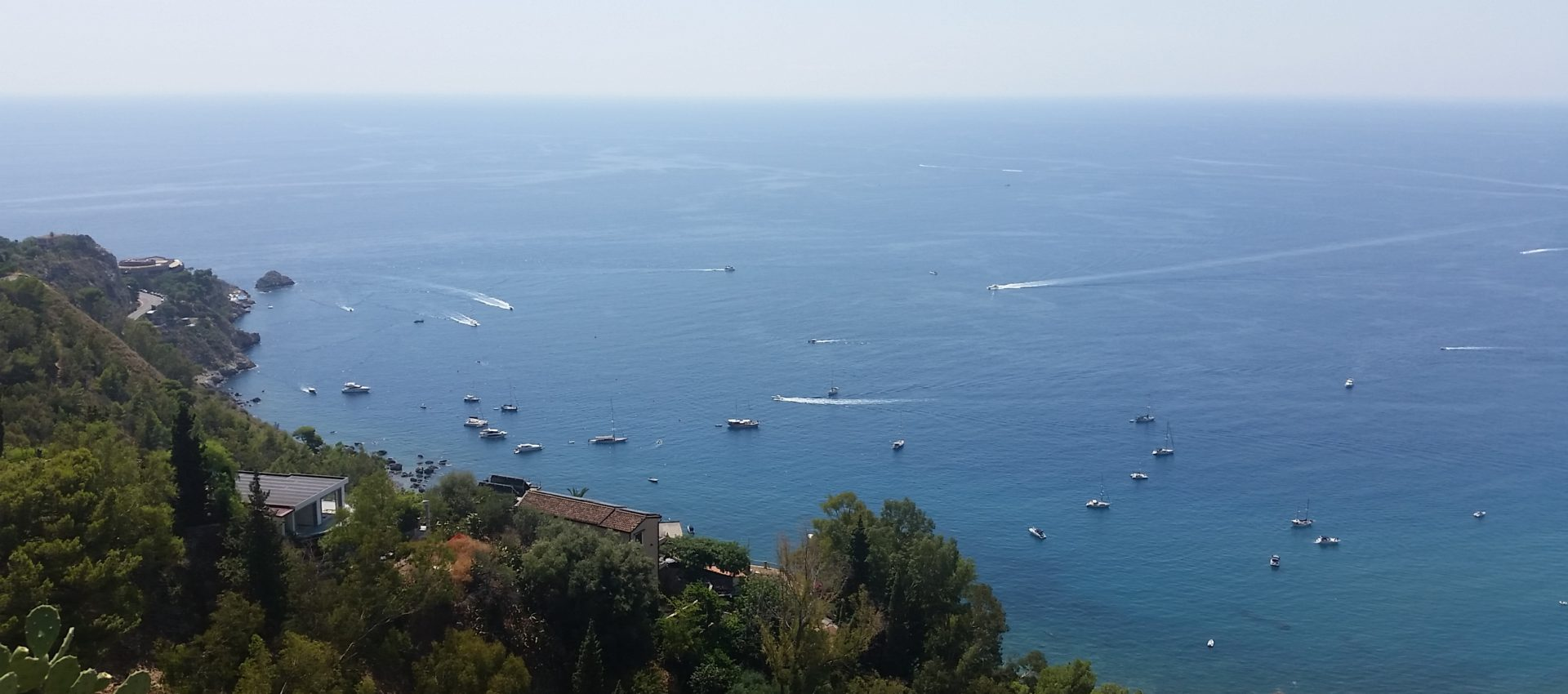 Vista da Piazza IX Aprile del Golfo di Taormina